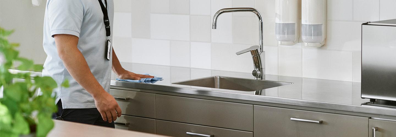 Säkra den nya hygienstandarden – boka en kostnadsfri hygienrond med Tork