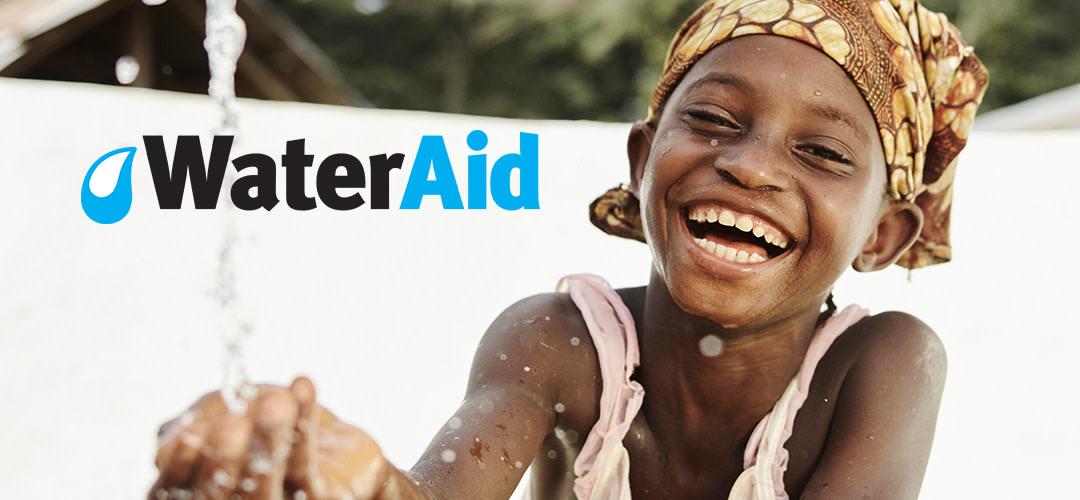 Vi skänker årets julgåva till WaterAid